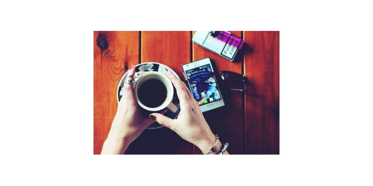 Kawa i inne używki – czyli szaleństwa Mamy karmiącej